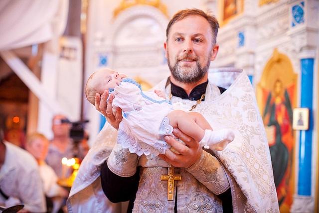 Что нужно знать крестной при крещении девочки