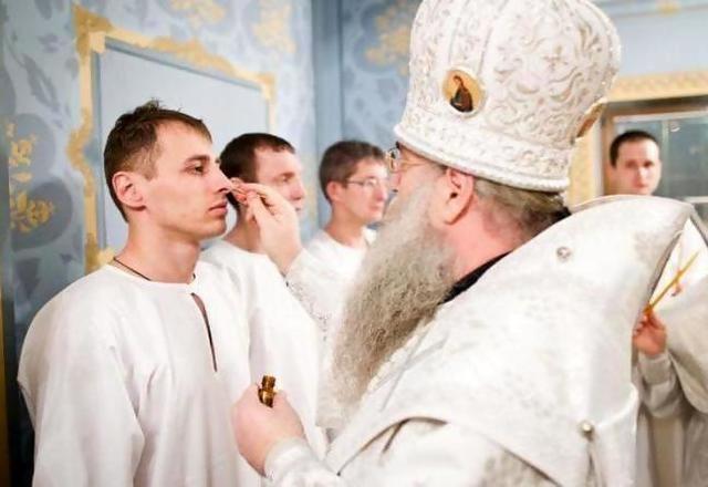 Как крестят взрослых женщин в церкви. Как проходит крещение взрослого человека? Что нужно для проведения обряда